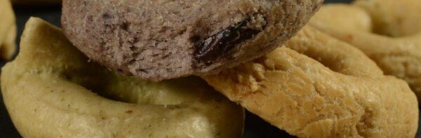 taralli chironi prodotti tipici salento cime di rapa olive nere olio di oliva.